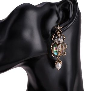 Lirrio's Closet Jewelry - Exotic Scarab Post Earrings NWT-
